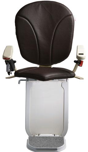 montascale ergo hd con seduta ergo e rivestimento di tessuto in ecopelle-moro per scala curva